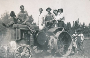 The old tractor / Le vieux tracteur